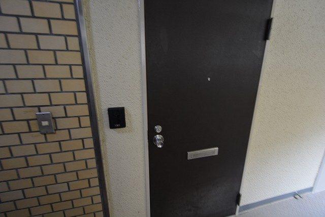 ライオンズマンション中野弥生町 玄関