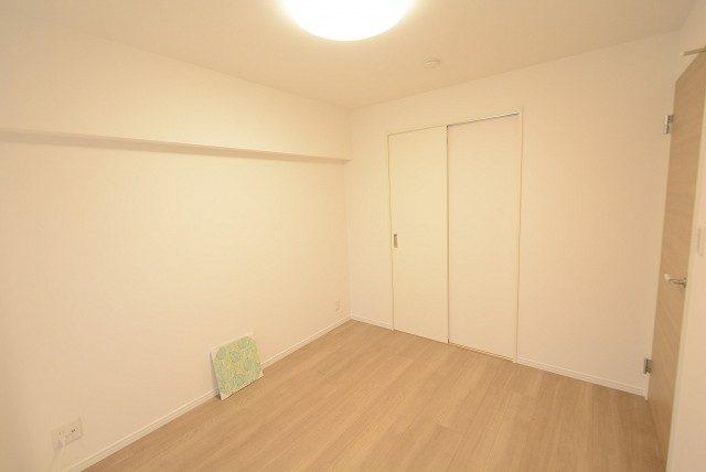 ライオンズマンション中野弥生町 洋室2