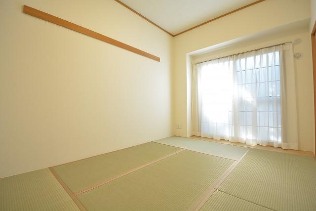 約6.4畳の和室