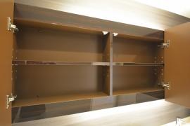 代官山マンション 鏡の裏の収納スペース