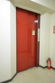 サングリア中目黒 エレベーター