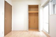 約5.9畳の洋室収納