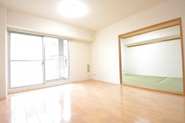 リビングと和室をつなげて広々とした空間に♪