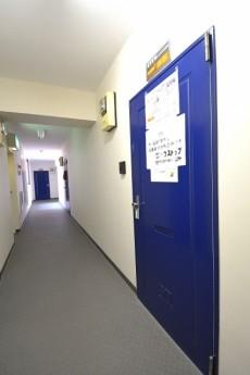 玄関前。内廊下です。