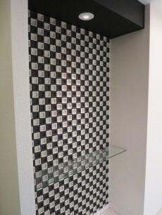 デザインタイルが印象的な玄関