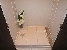 代官山マンション 洗濯機置き場です。602