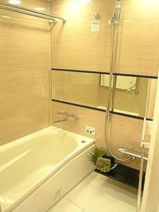 代官山マンション 落ち着いた雰囲気のバスルームです。602