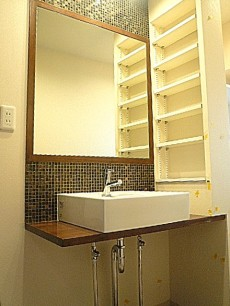 サングリア中目黒 ホテルのような洗面化粧台。