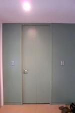 青山パークタワー 廊下への扉