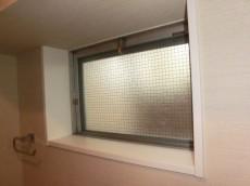 月島福寿マンション トイレ窓