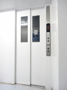 メガロン御殿山 エレベーター