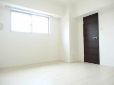 約6.4畳の洋室