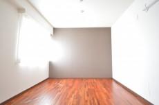 芦花公園ヒミコマンション 約6.4畳の洋室
