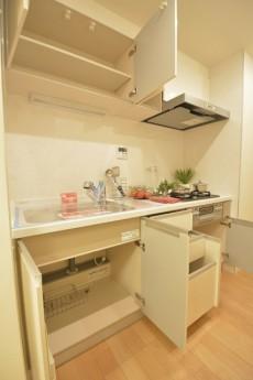 ライオンズマンション赤堤第2 真っ白のシステムキッチン