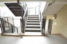 ライオンズマンション赤堤第2 階段
