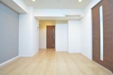 古河松原マンション 約8.5畳のリビングダイニングルーム