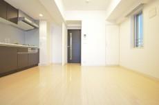 リシェ五反田スカイビュー 約11.8畳のLDKには床暖房完備です。