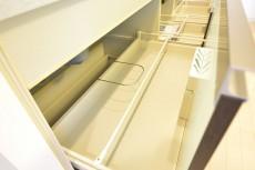 リシェ五反田スカイビュー システムキッチンの収納は大割りの引き出しタイプ