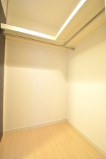 リシェ五反田スカイビュー 枕棚付きのウォークインクローゼット