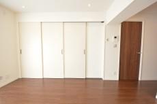 洋室の可動式扉