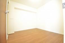 約4.7畳の洋室