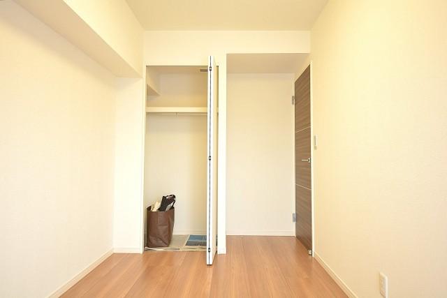 約5.2畳の洋室のクローゼット