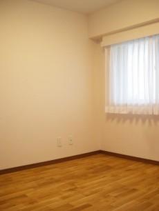方南町ハイツ 約4.7帖の洋室