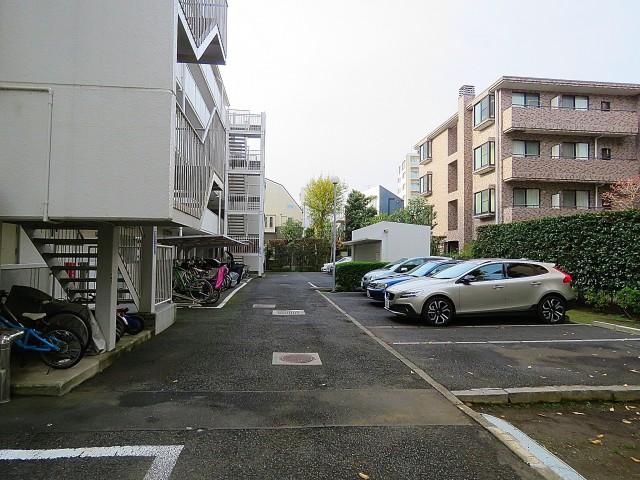 二子玉川ロイヤルマンション 駐車場
