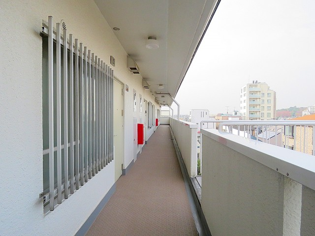 二子玉川ロイヤルマンション 共用廊下