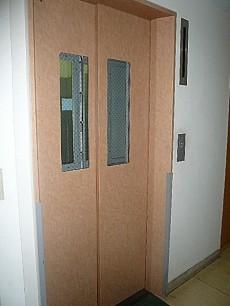 青山アジアマンション エレベーター