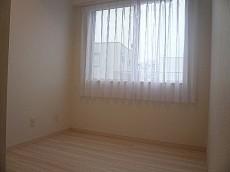 ライオンズマンショングリーン白金 洋室約4.5帖