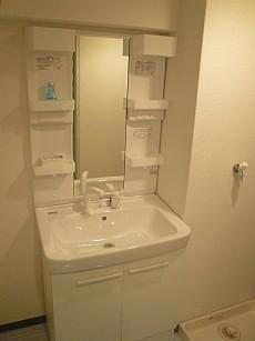 コープ野村六本木Ⅱ 真っ白な洗面化粧台
