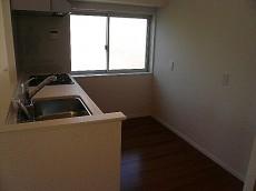 麻布狸穴ナショナルコート キッチンには窓もあります。