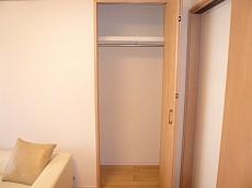 セブンスターマンション東山 洋室5.4帖 クローゼットです。