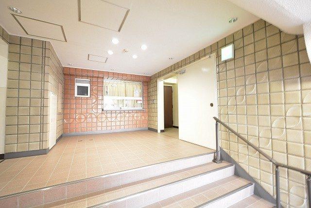 東海経堂マンション4F エントランス