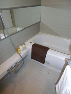 浴室換気乾燥機付バスルーム