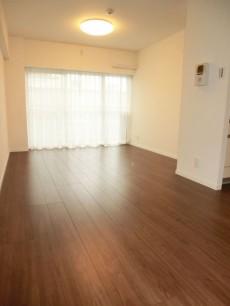 西新宿ハウス 約10.3帖のリビングダイニング501
