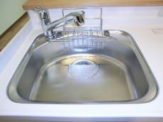 シャンボール松濤 シンクの水栓は浄水器内蔵です