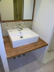シャンボール松濤 デザイン性の高い洗面化粧台