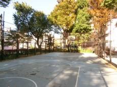 パセオ青山 美竹公園