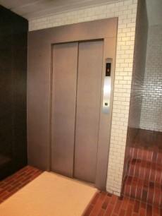 パセオ青山 エレベーター