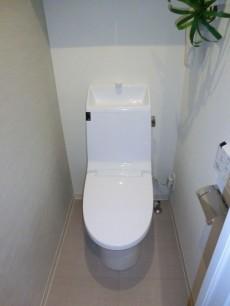 パセオ青山 ウォシュレット付のトイレ