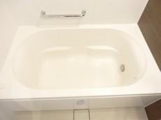 ディナスカーラ新宿 浴室乾燥機付きのバスルーム