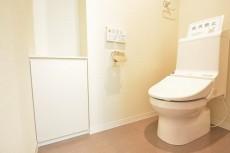 ウォシュレト付きトイレ