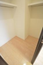約9.5畳の洋室のWIC