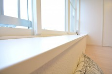 約6.5畳の洋室の窓