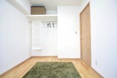 約4.5畳の洋室