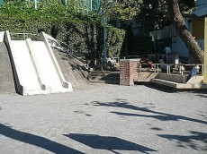 マンション駒場 宮下児童遊園