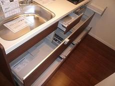 システムキッチン みやすい収納