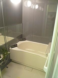第三宮庭マンション 追炊き・浴室乾燥付きバスルーム
